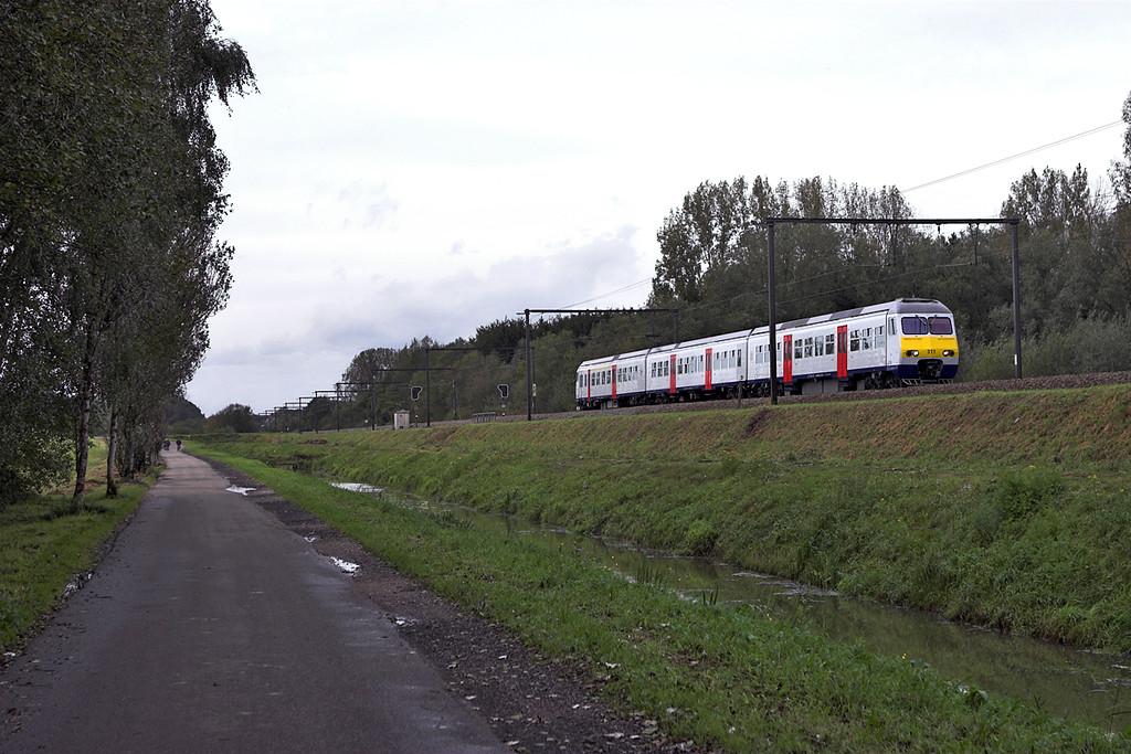 311 Schulen 6/10/2011<br /> IR2913 1331 Antwerpen Centraal-Liège Guillemins