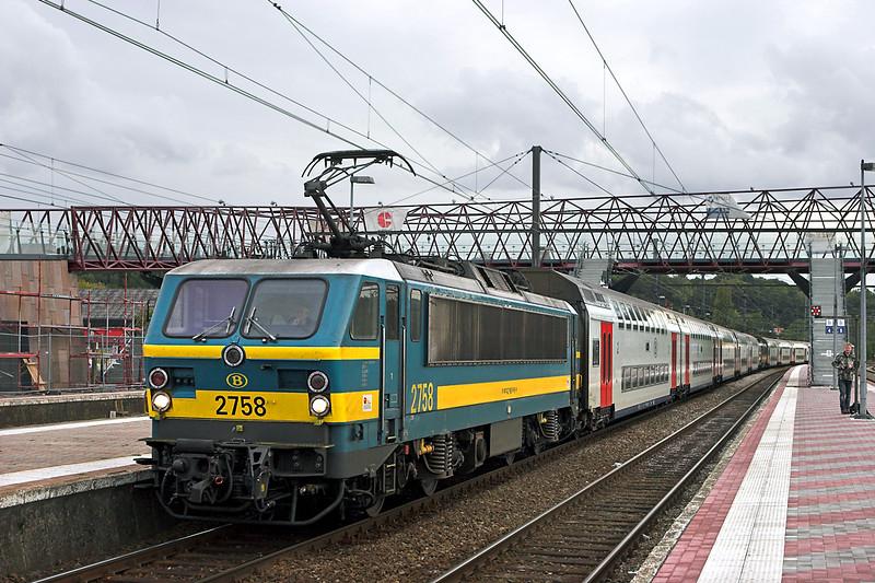 2758 and 2745, Aarschot 6/10/2011<br /> IC1515 1506 Knokke-Tongeren/<br /> IC1615 1511 Blankenberge-Tongeren