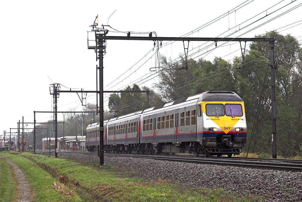 341 Schulen 6/10/2011<br /> IR2931 0918 Liège Guillemins-Antwerpen Centraal