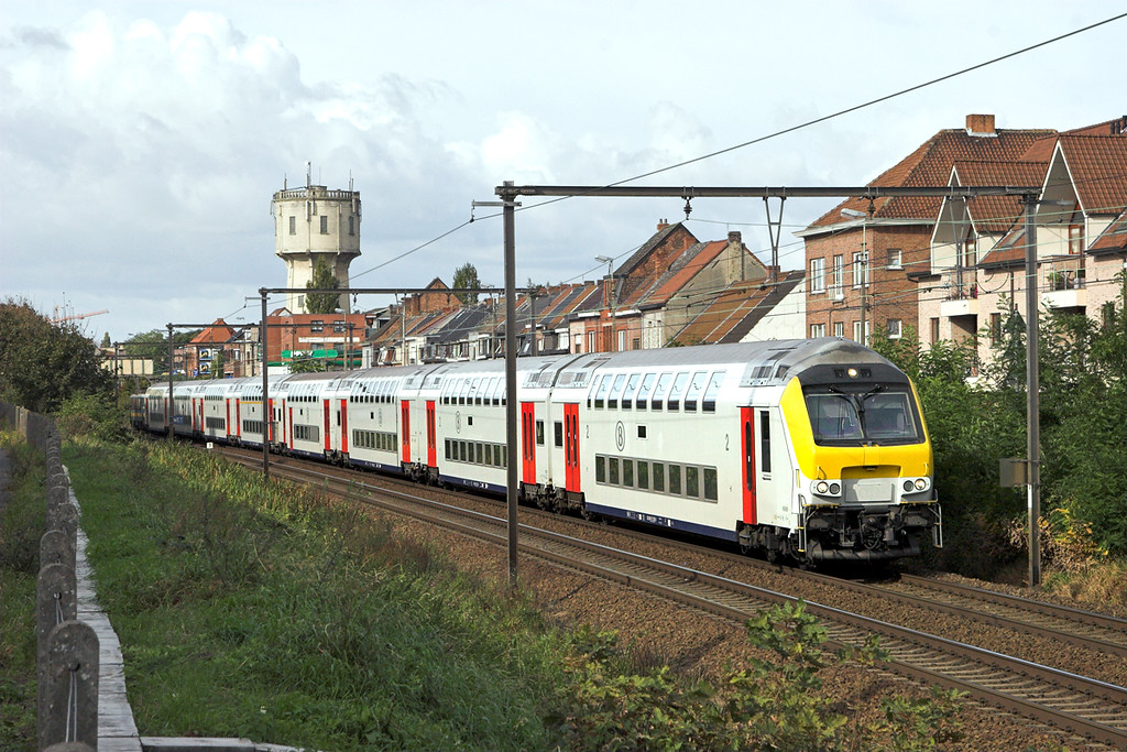 2707 (on rear) Wetteren 7/10/2011<br /> IC2211 1108 Gent St Pieters-Genk