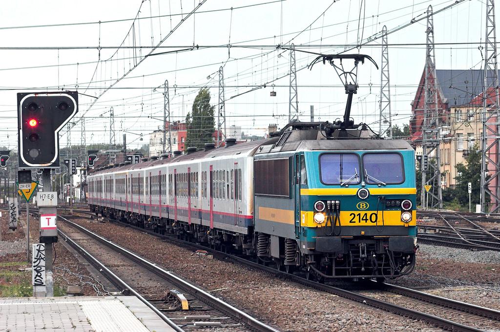 2140 Bruxelles-Nord 7/10/2011<br /> IC8010 1733 Schaarbeek-Sint Niklaas