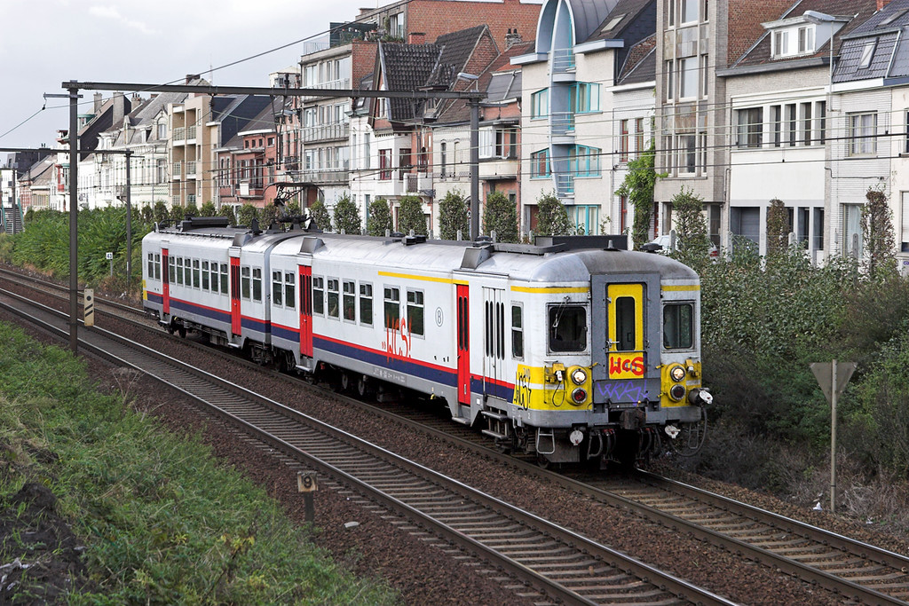 740 Wetteren 7/10/2011<br /> R561 1137 Brugge-Mechelen