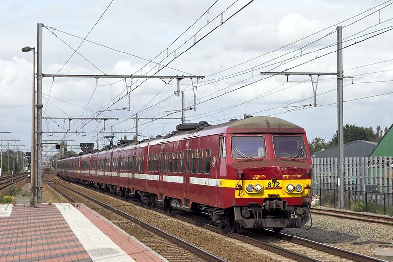 812 and 822, Kontich 7/10/2011<br /> IC6385 1357 Antwerpen Centraal-Nivelles