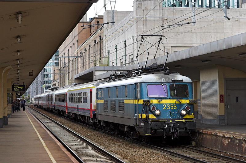 2355 Bruxelles-Nord 7/10/2011<br /> IC8067 1639 Bruxelles Midi-Denderleeuw