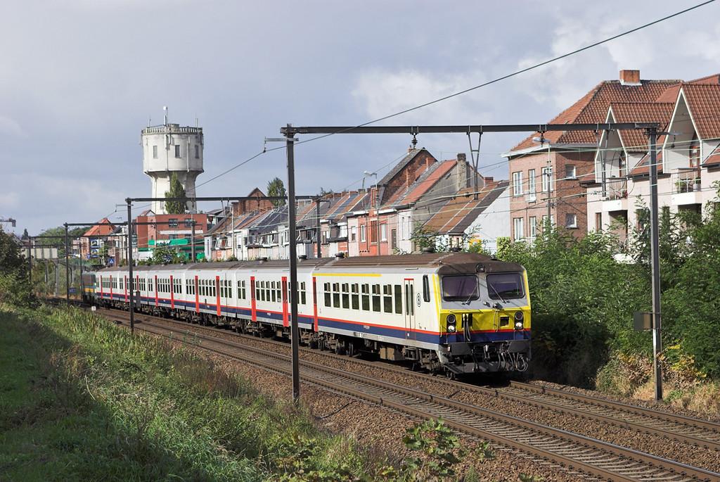 2159 (on rear), Wetteren 7/10/2011<br /> IR4111 1118 Kortrijk-Leuven