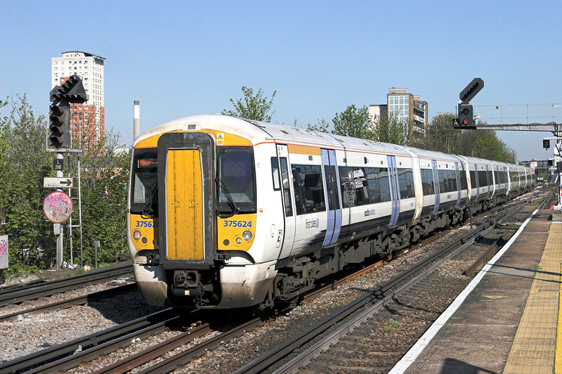 375624 and 375819, New Cross 8/4/2011<br /> 1H24 0945 London Charing Cross-Hastings
