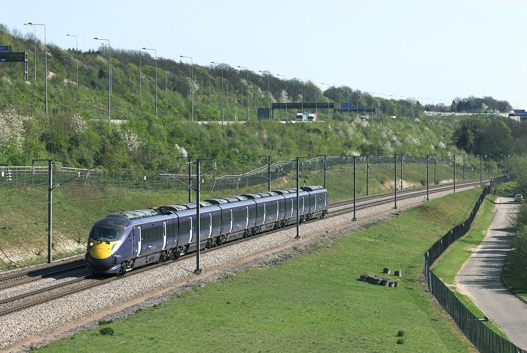 395022 Upper Nashenden Farm 8/4/2011<br /> 1J43 1444 Dover Priory-London St Pancras International