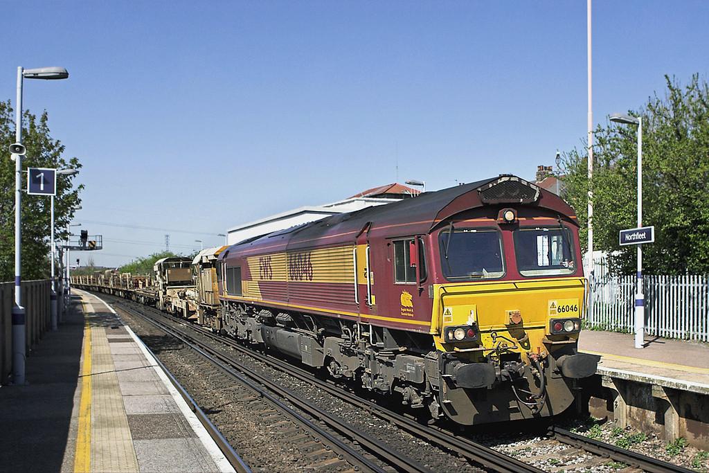66046 Northfleet 8/4/2011<br /> 6Y41 0902 Eastleigh Yard-Hoo Junction