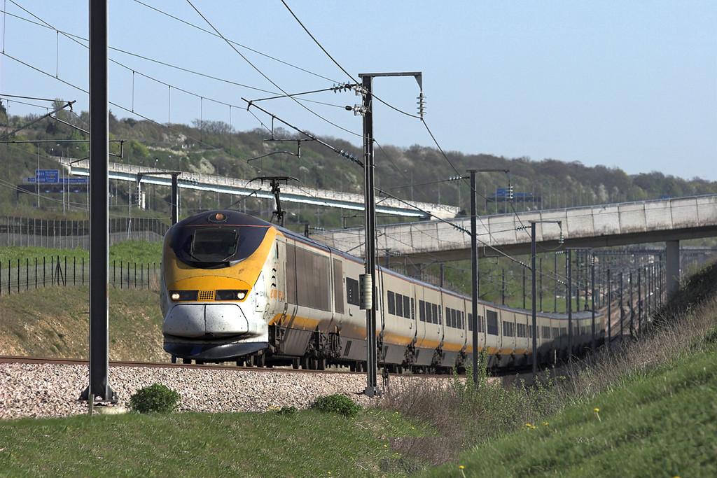 3219 and 3220, Nashenden Farm 8/4/2011<br /> 9I45 1559 Bruxelles Midi-London St Pancras International