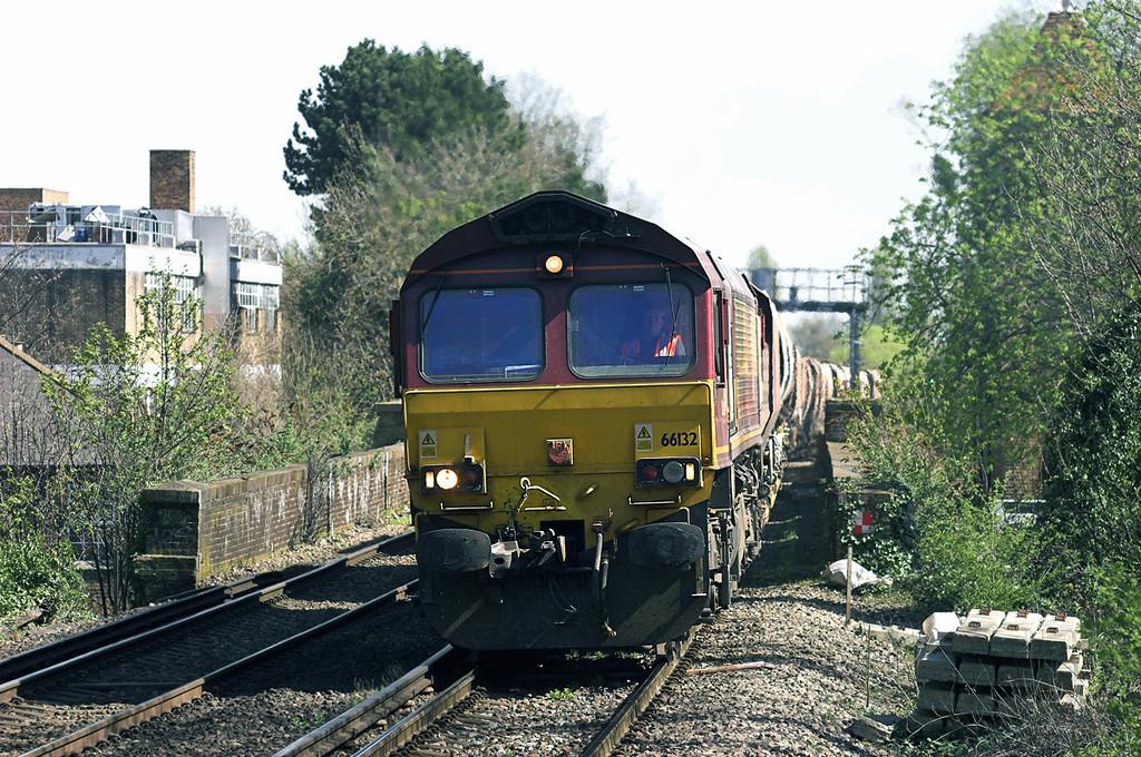 66132 Bexley 8/4/2011<br /> 6Z64 1108 Angerstein Wharf-Brentford