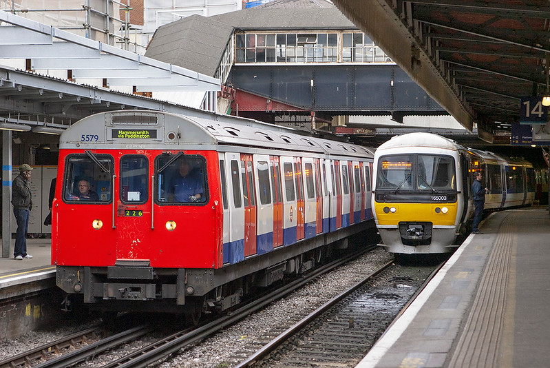 Hammersmith & City Line 5579, Paddington 8/9/2011