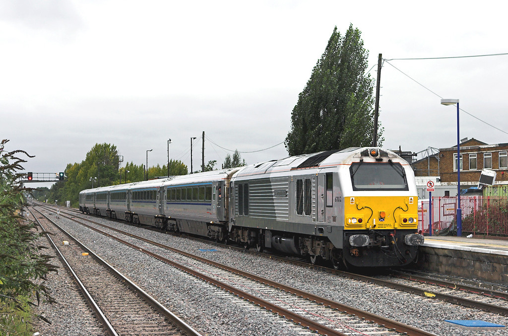 67012 South Ruislip 8/9/2011<br /> 1H32 1055 Birmingham Moor Street-London Marylebone