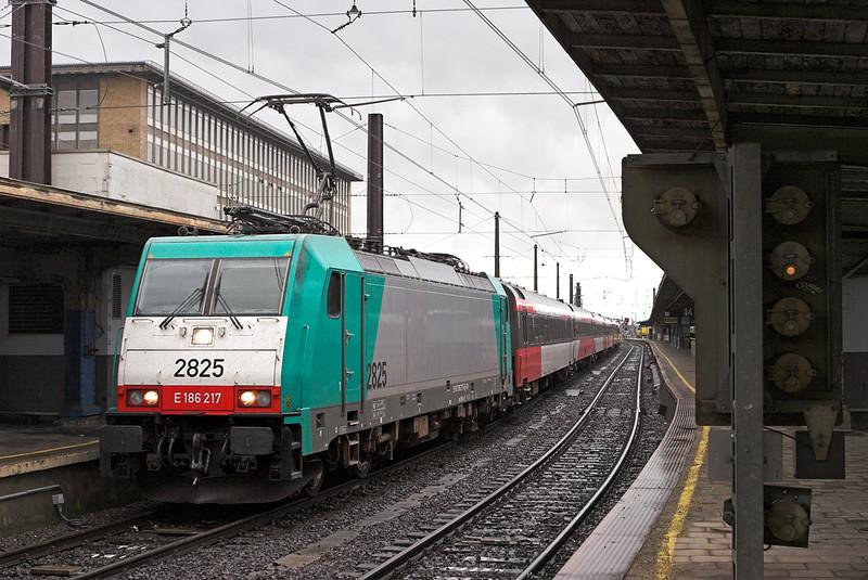 2825 Bruxelles-Midi 8/10/2011<br /> IC9217 1018 Bruxelles Midi-Amsterdaam Centraal