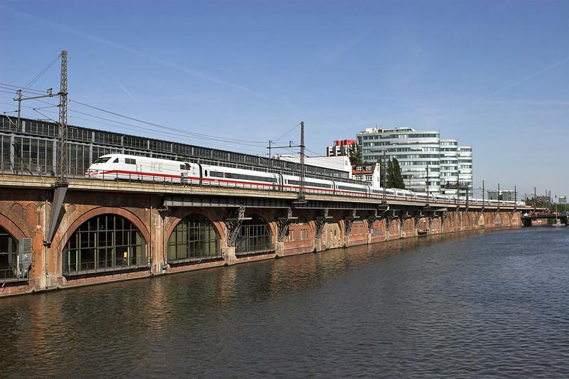 401569 Berlin-Jannowitzbrücke 9/5/2011<br /> ICE875 1620 Berlin Ostbahnhof-Basel SBB