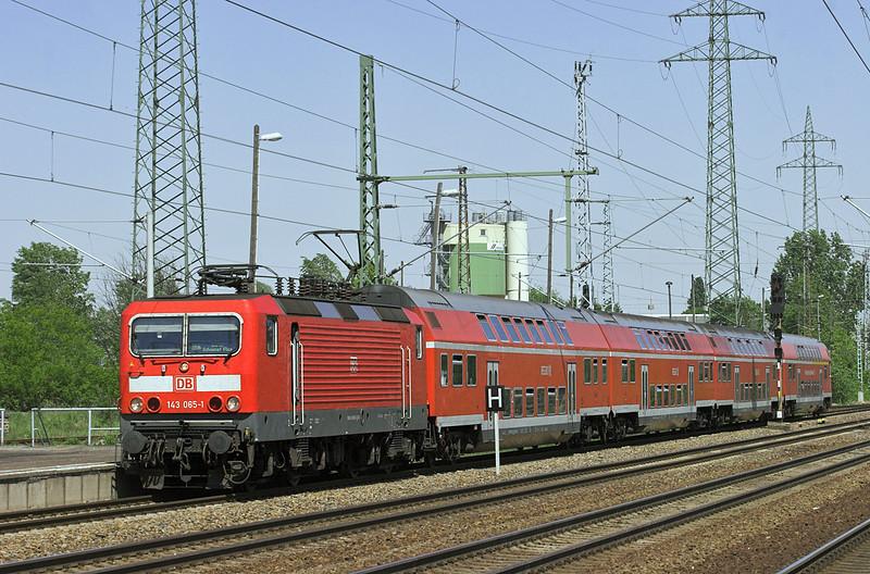 143065 Berlin-Schönefeld Flughafen 9/5/2011<br /> RB18921 1252 Nauen-Berlin Schönefeld Flughafen