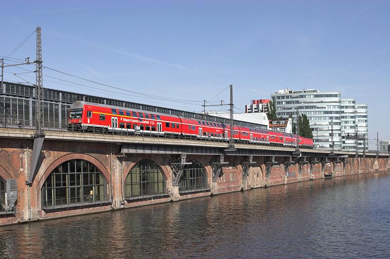 143818 (on rear) Berlin-Jannowitzbrücke 9/5/2011<br /> RB18927 1552 Nauen-Berlin Schönefeld Flughafen