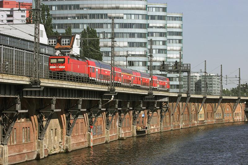 112124 Berlin-Jannowitzbrücke 9/5/2011<br /> RE37383 1510 Rathenow-Königs Wusterhausen