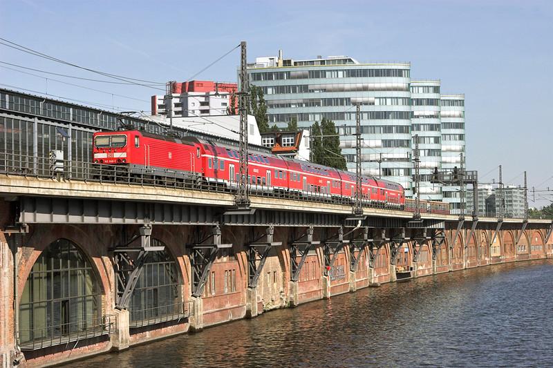 143848 Berlin-Jannowitzbrücke 9/5/2011<br /> RE18722 1419 Dessau Hbf-Wünsdorf Waldstadt