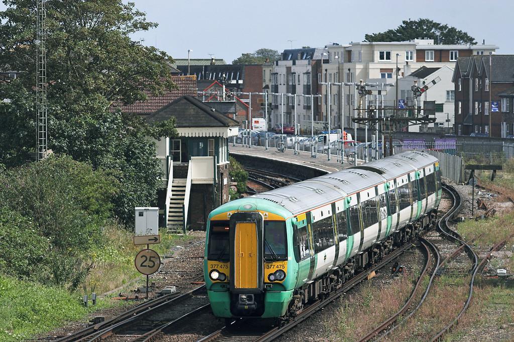 377475 Littlehampton 9/8/2011<br /> 2N69 1454 Littlehampton-Portsmouth & Southsea