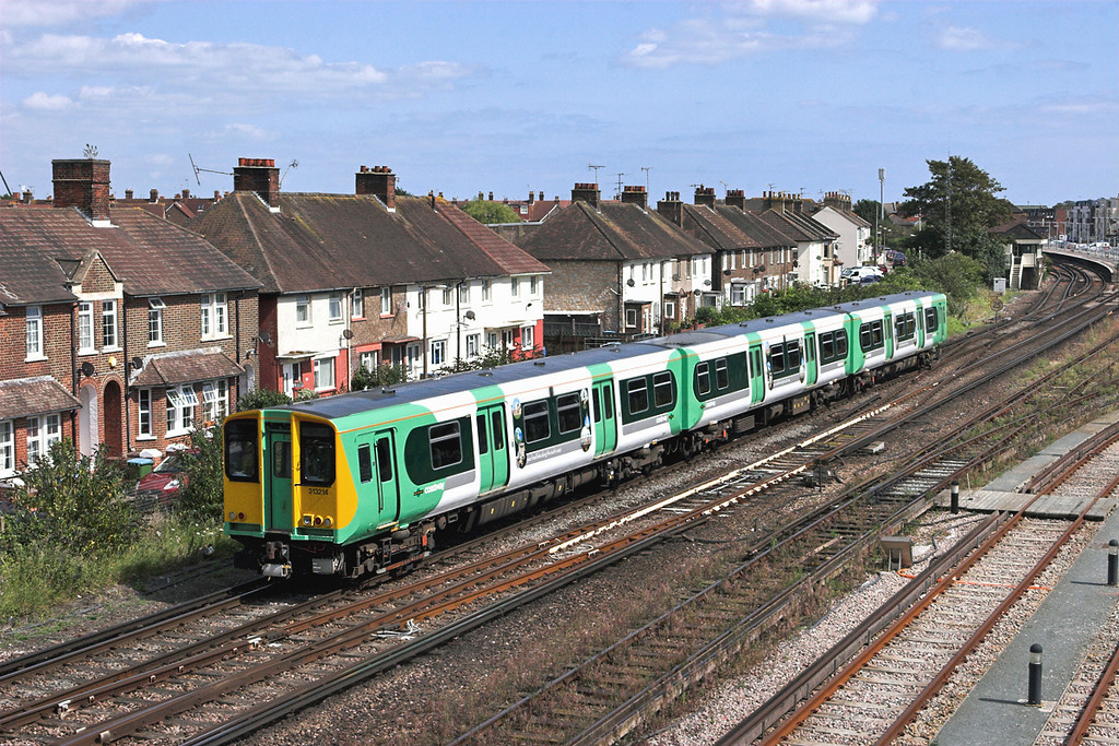 313214 Littlehampton 9/8/2011<br /> 2S66 1359 Portsmouth & Southsea-Littlehampton