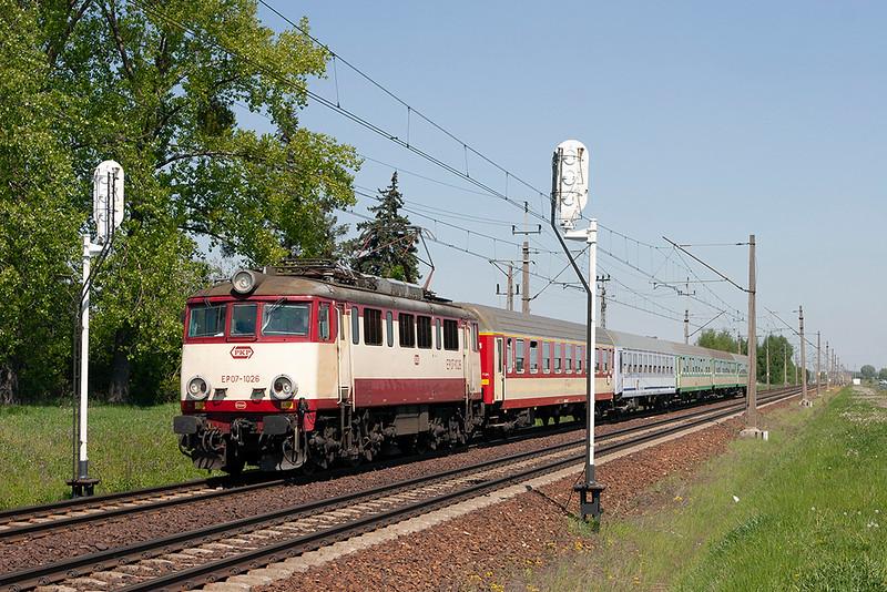 EP07-1026 Dopiewo 10/5/2011<br /> TLK57104 0828 Gdynia Glowna-Zielona Gora