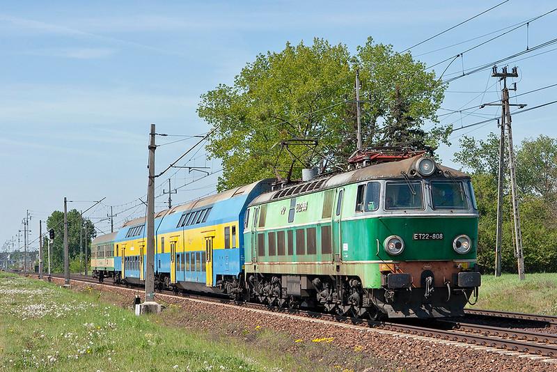 ET22-808 Dopiewo 10/5/2011<br /> 77226 1023 Nowy Tomysl-Poznan Glowny