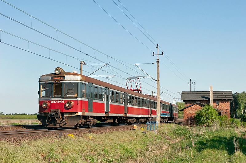 EN57-1804 Pamiatkowo 10/5/2011<br /> 77824 1645 Wronki-Poznan Glowny