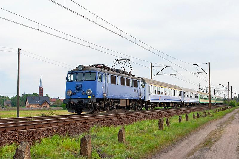 EU07-116 Czempin 11/5/2011<br /> TLK35108 0916 Krakow Plaszow-Gdynia Glowna
