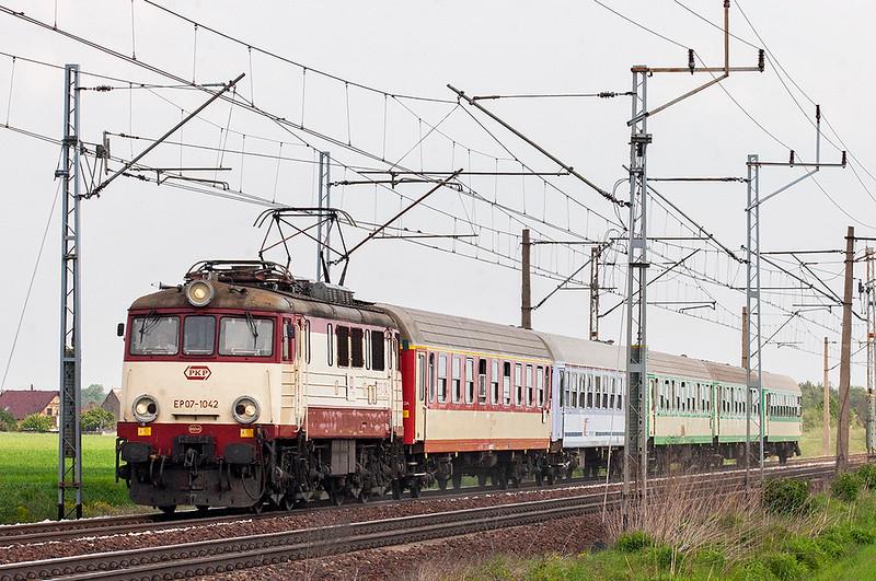 EP07-1042 Zbaszyn 12/5/2011<br /> TLK57104 0828 Gydnia Glowna-Zielona Gora