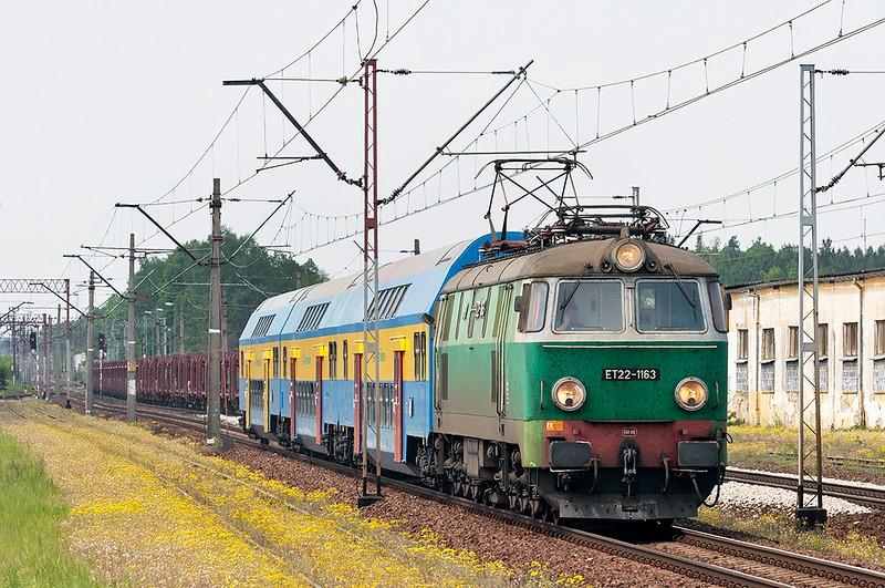 ET22-1163 Zbaszyn 12/5/2011<br /> 5831 1031 Farnkfurt (Oder)-Poznan Glowny
