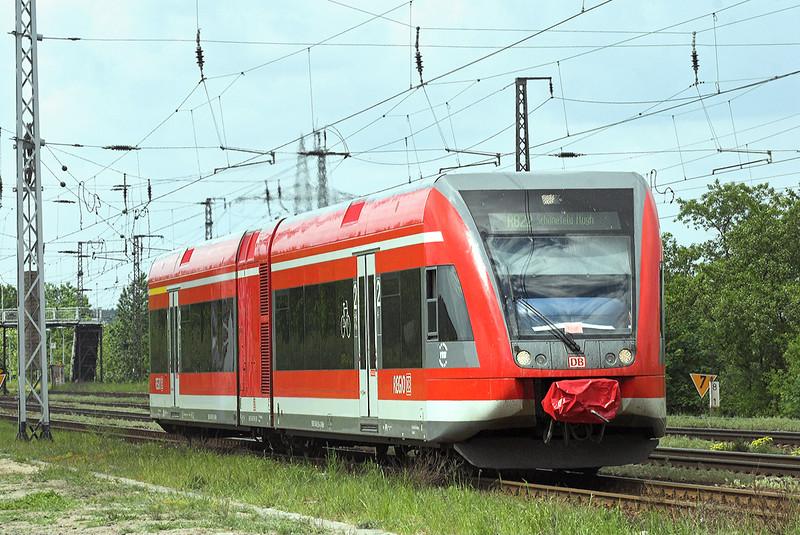 646046 Saarmund 13/5/2011<br /> RB28816 1217 Potsdam Hbf-Berlin Schönefeld Flughafen