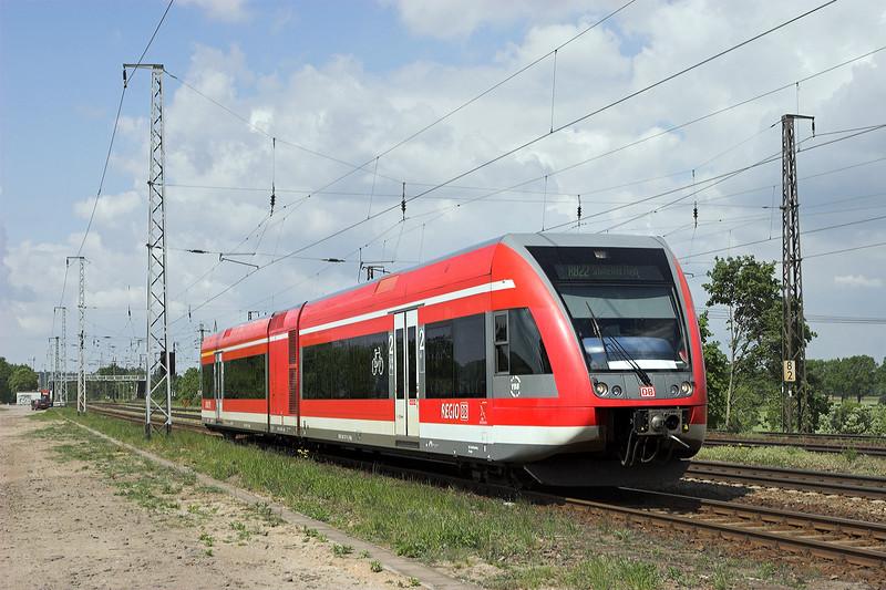 646007 Saarmund 13/5/2011<br /> RB28814 1117 Potsdam Hbf-Berlin Schönefeld Flughafen