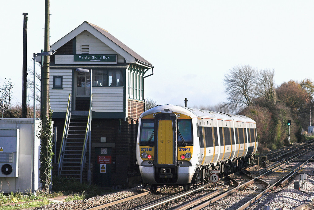 375915 Minster 15/12/2011<br /> 5Z50 1150 Ashford Down Yard-Ramsgate