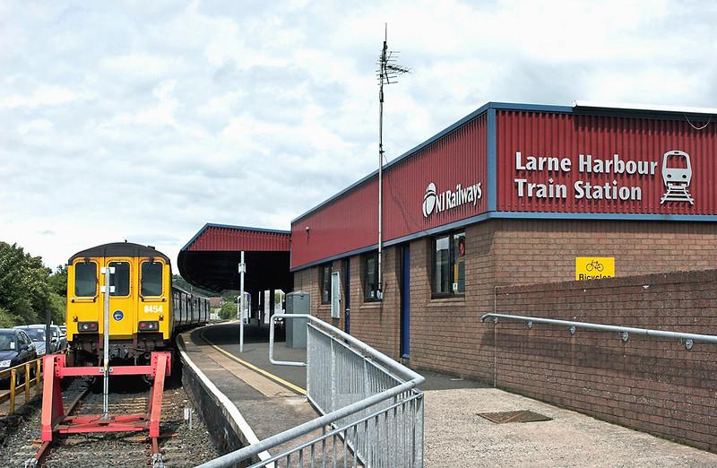 8454 Larne Harbour 16/6/2011<br /> 1157 Larne Harbour-Belfast Central