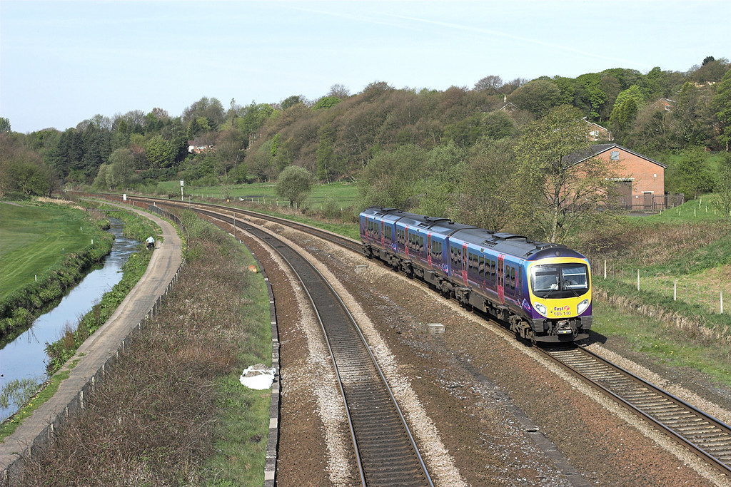 185140 Lostock 17/4/2011<br /> 1U57 0844 Blackpool North-Manchester Airport