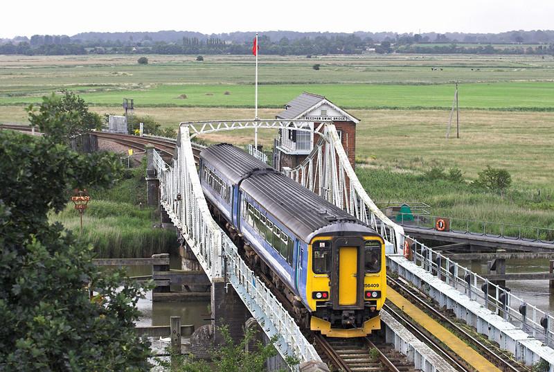 156409 Reedham Swing Bridge 21/7/2011<br /> 2J82 1550 Norwich-Lowestoft