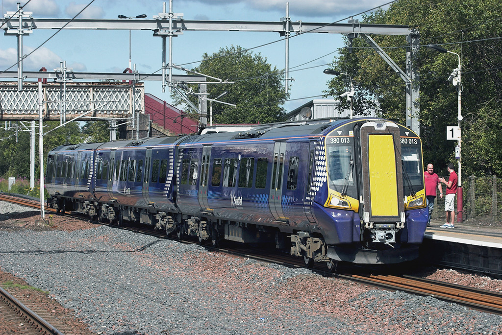 380013 Hillington West 23/7/2011<br /> 2G26 1006 Gourock-Glasgow Central