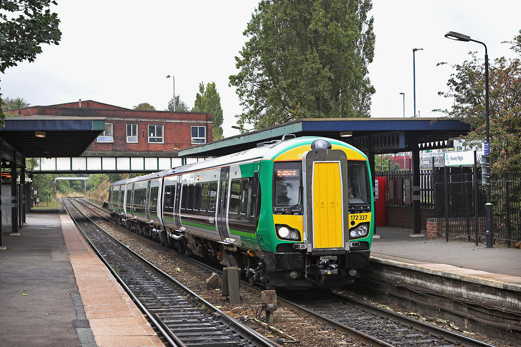 172337 Rowley Regis 23/9/2011<br /> 2S30 1055 Stourbridge Junction-Stratford upon Avon