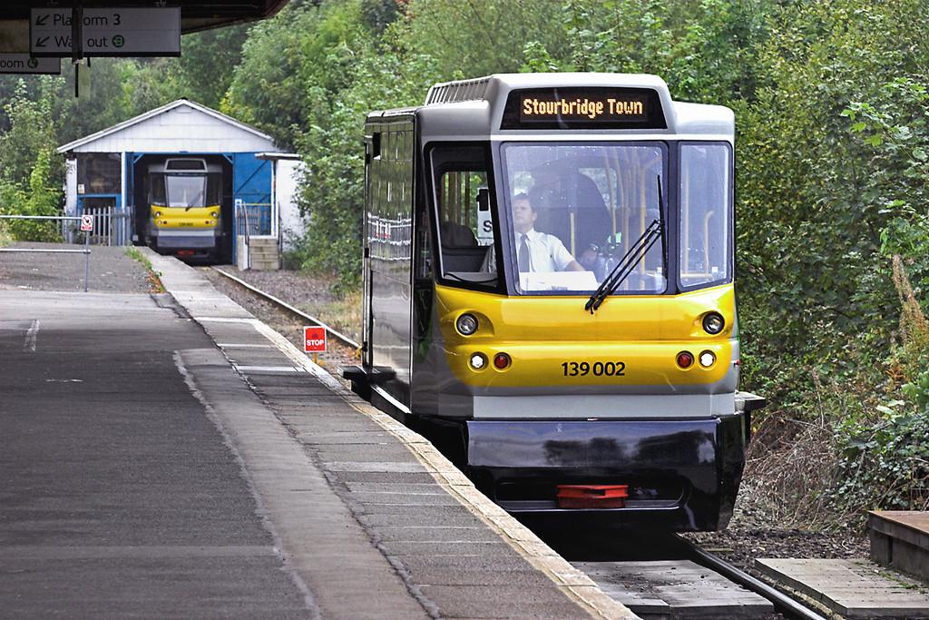 139002 and 139001, Stourbridge Junction 23/9/2011<br /> 2P71 1139 Stourbridge Junction-Stourbridge Town