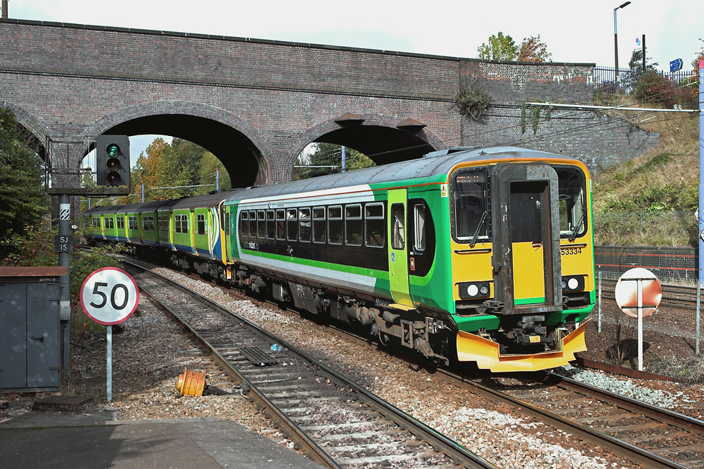 153334 and 150002, The Hawthornes 23/9/2011<br /> 2C22 1025 Stourbridge Junction-Dorridge
