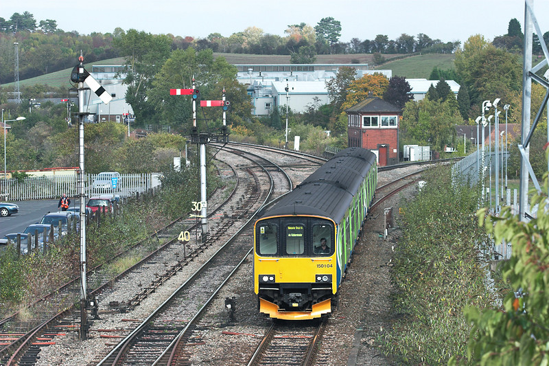 150104 and 150124, Droitwich Spa 23/9/2011<br /> 2V28 1246 Dorridge-Worcester Shrub Hill