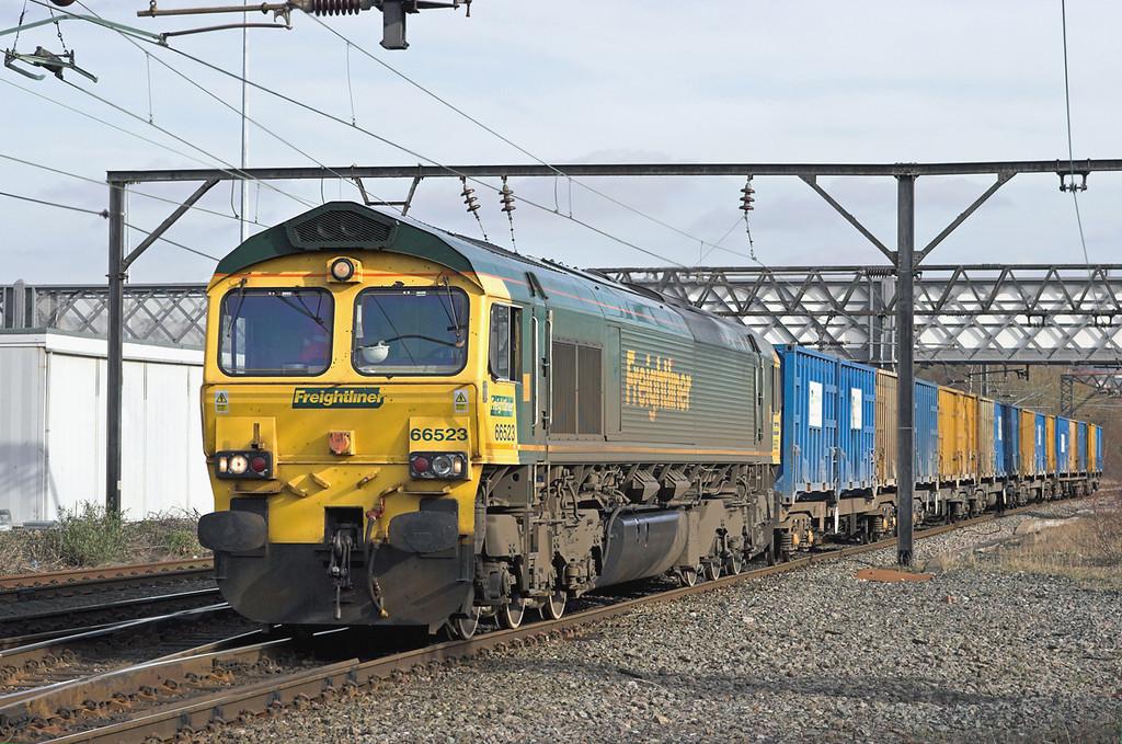 66523 Guide Bridge 24/2/2011<br /> 6M05 0930 Roxby Gullet-Northenden