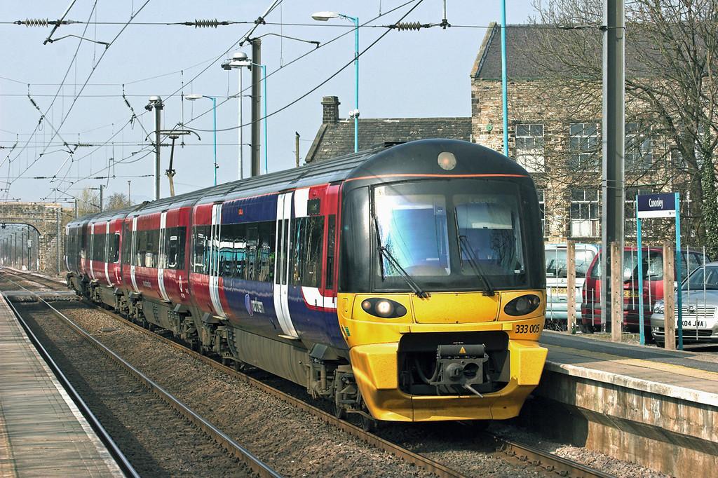 333005 Cononley 24/3/2011<br /> 2H45 1348 Skipton-Leeds