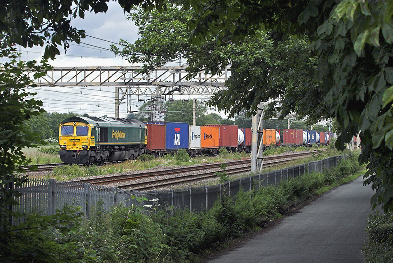 66558 Standon 24/6/2011<br /> 4O27 0540 Garston FLT-Southampton MT