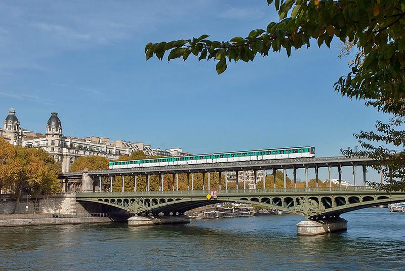 6509, Pont de Bir-Hakeim 24/10/2011<br /> Linie 6: Charles de Gaulle Étoile-Nation