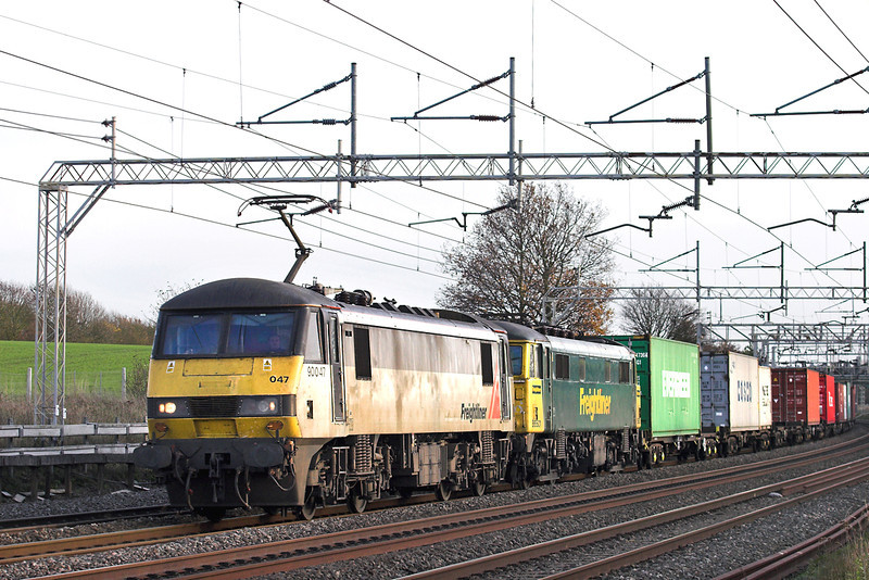 90047 and 86501, Cow Roast 25/11/2011<br /> 4M88 0920 Felixstowe FLT-Basford Hall