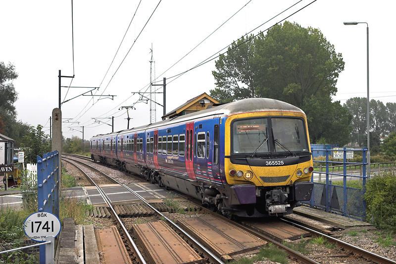 365525 Littleport 27/9/2011<br /> 1T06 0945 London Kings Cross-Kings Lynn