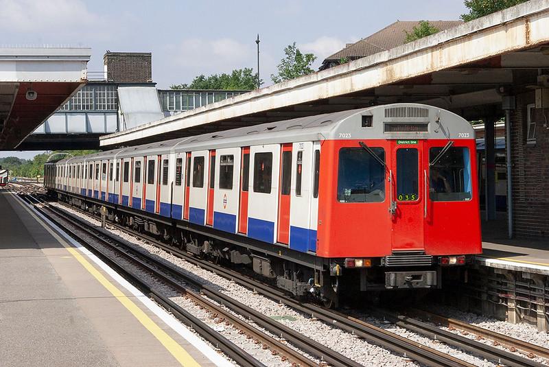 District Line 7023, Upminster 28/7/2011
