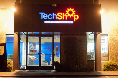 Open till midnight, 7 days a week! [TechShop Menlo Park]