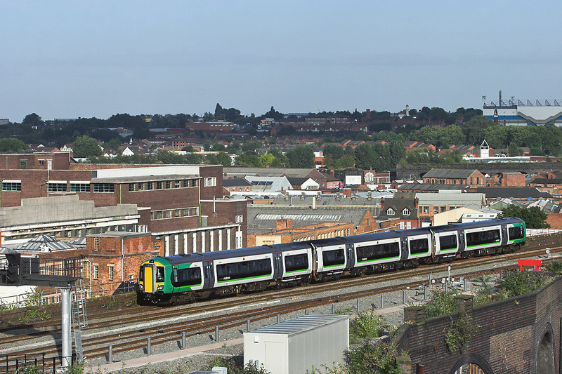 172333 Birmingham Moor Street 5/9/2012<br /> 2H26 1725 Stourbridge Junction-Leamington Spa